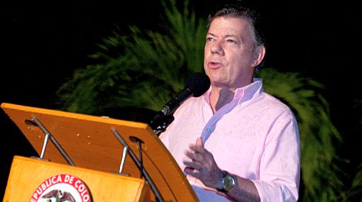 """Santos a las FARC: """"Desmovilícense porque terminarán en la cárcel o en la tumba"""""""