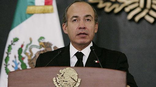 México: Felipe Calderón decretó leyes para proteger a periodistas