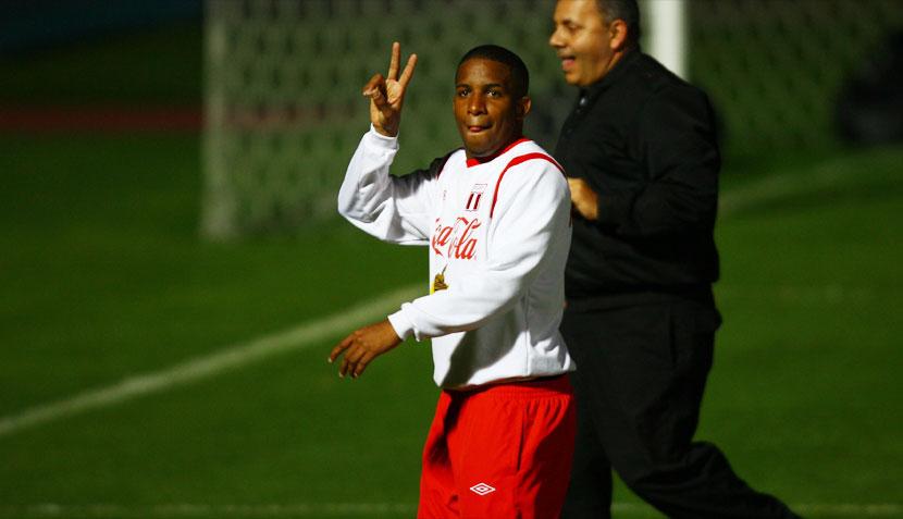 Juan Vargas llevó sus locuras a Quito y la selección reconoció el estadio Atahualpa