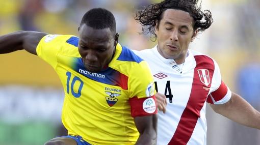 Personajes del fútbol opinan sobre opciones de Perú hacia Brasil 2014