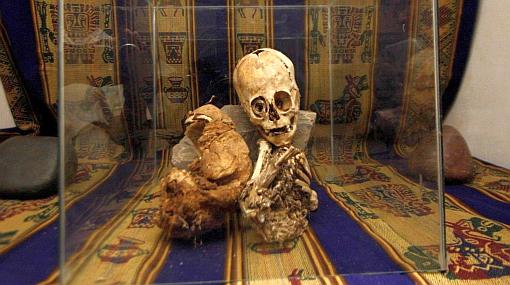 Cusco: extraña momia fue analizada por especialistas