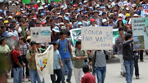 Manifestantes dicen que el Gobierno, y no Yanacocha, debió suspender Conga