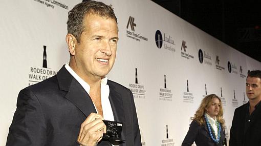 Mario Testino recibió distinción de manos de la reina de España