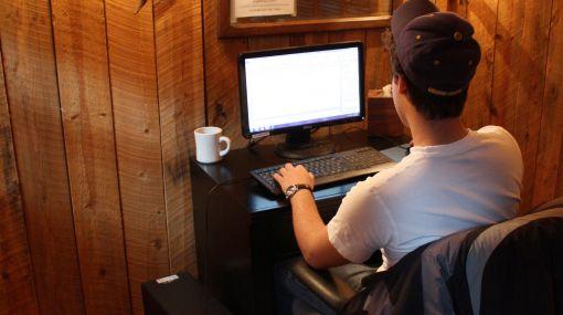 Más de la mitad de los jóvenes navegan en Internet solo por diversión