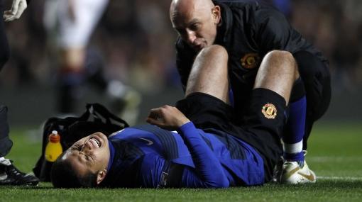 'Chicharito' sería baja un mes por lesión en el tobillo