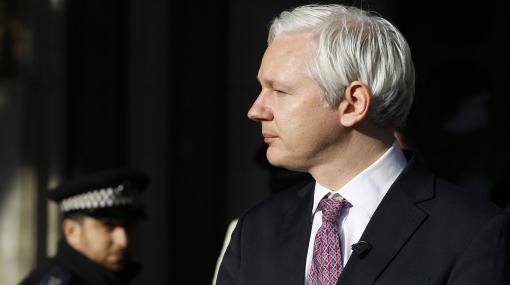 Assange ganó nuevo asalto: por el momento no será extraditado a Suecia