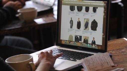 La devolución de compras de regalos en línea alcanzará récord en EE.UU.