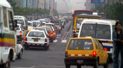 Transportistas se quejan por los nuevos paraderos de la avenida Abancay