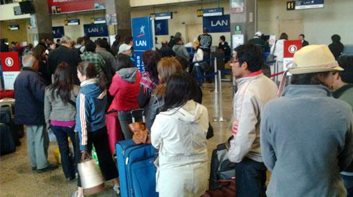Viajeros tienen problemas para llegar a Lima desde el Cusco