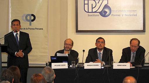 Piden a Humala observar ley que castiga con cárcel difusión de audios 'chuponeados'