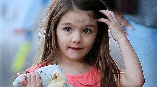 La hija de Tom Cruise y Katie Holmes dejará pobre a Papá Noel | Cine ...