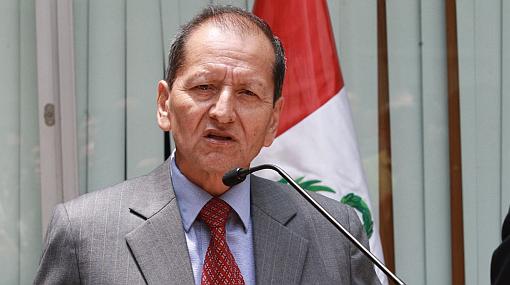 """Ministro de Energía y Minas promete apoyo """"con firmeza"""" para mineras formales"""