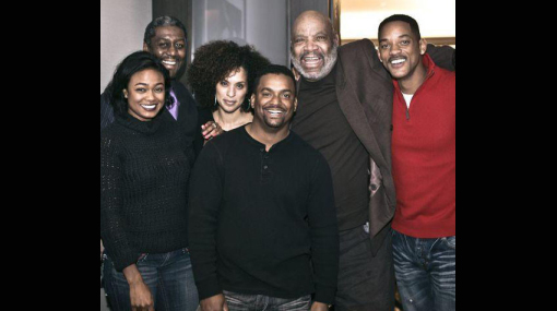 """Todos juntos: elenco de """"El príncipe del rap"""" se reunió por Navidad"""