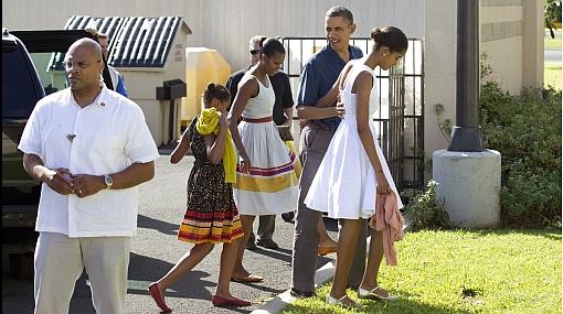 Barack Obama y familia celebró la Navidad con los marines en Hawái
