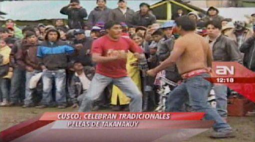 Cusco: pobladores arreglan sus diferencias peleando a puño limpio en el Takanakuy
