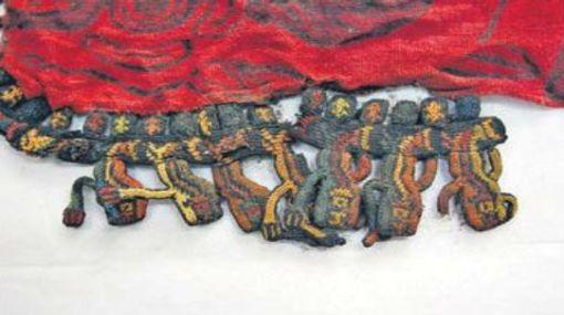 Muestran al fin joyas con las que se enterró a la sacerdotisa de Cahuachi