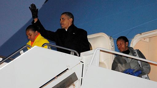 Obama concluyó sus vacaciones ante inicio de primarias republicanas