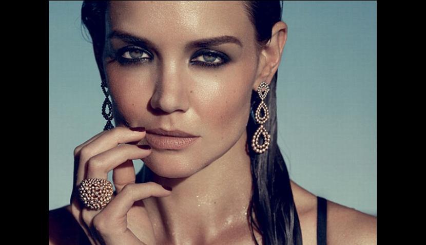 FOTOS: Katie Holmes hace 'topless' para promocionar joyas
