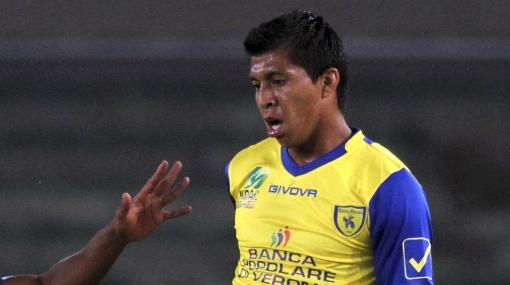 Rinaldo Cruzado jugó en empate 2-2 del Chievo Verona ante Bologna