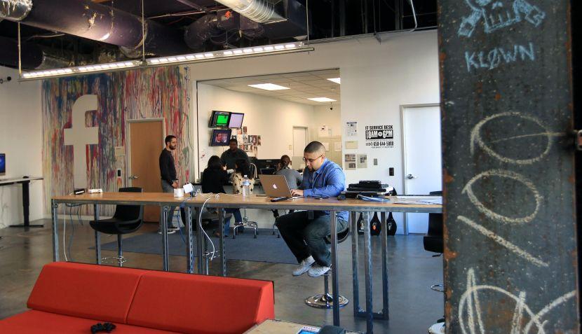 Fotos facebook muestra c mo son sus nuevas oficinas for El comercio oficinas