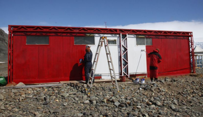 Antártida: la base peruana Machu Picchu ya luce los colores de nuestra bandera