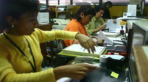 Segundo incremento al sueldo mínimo beneficiará a 700 mil empleados