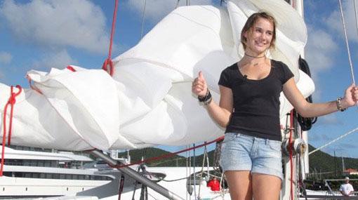 Laura Dekker, la joven holandesa que completó una vuelta al mundo en velero