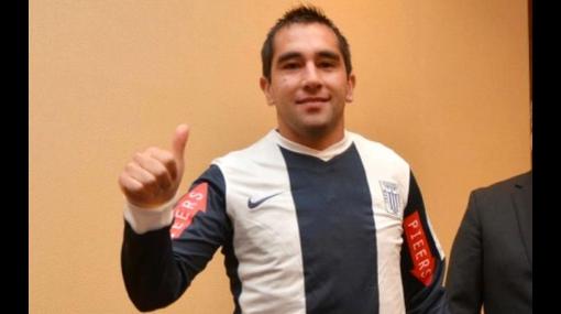 Chileno Fernando Meneses ahora dice que aún puede volver a la U. Católica