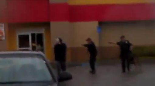 Polémica en EE.UU. por video en que policía dispara a quemarropa a un sujeto