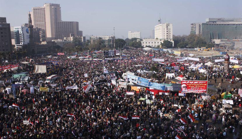 Miles de egipcios celebraron el primer aniversario de la revolución