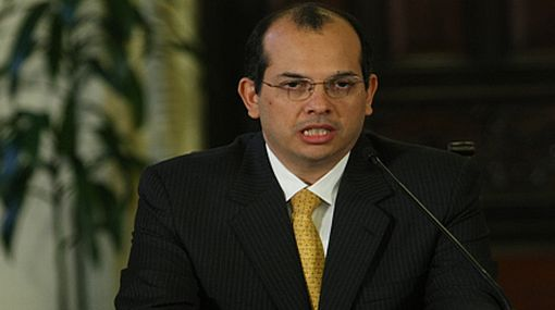 Ministro Castilla destacó exitosa emisión de bonos soberanos