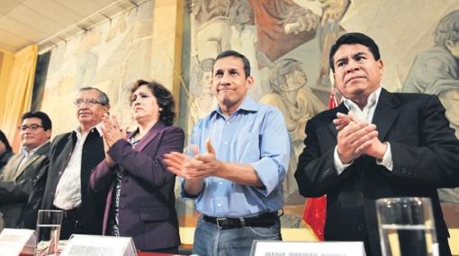Congresistas de izquierda se niegan ahora a dejar Gana Perú