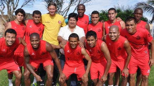 Con ilusión y respeto: Aurich viajó a Brasil para chocar con Inter