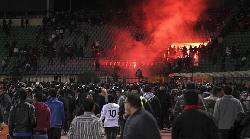 Manifestaciones tras tragedia en estadio de Egipto deja 3 muertos