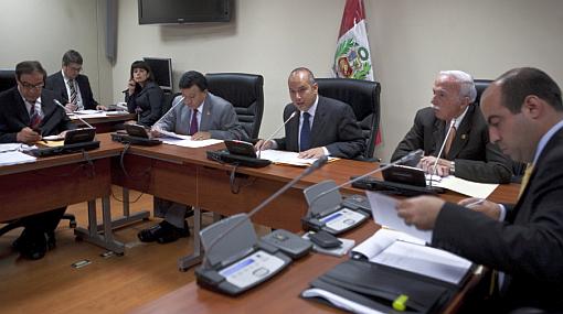 Se ahonda la crisis en comisión que investiga a gobierno aprista
