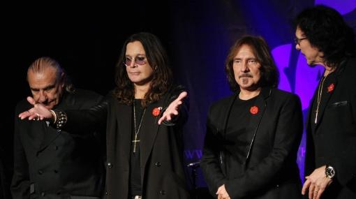 Baterista de Black Sabbath amenaza con renunciar si no le ofrecen un mejor contrato