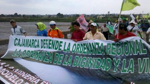 La marcha del agua culmina hoy con mitin en la plaza San Martín