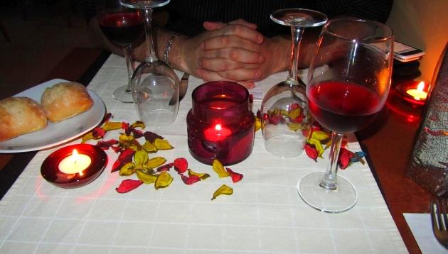 Opina qu debe tener una cena para ser considerada for Cena romantica que cocinar