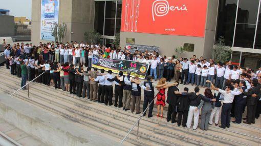 Ayacucho buscará batir el récord del abrazo más grande del mundo