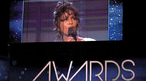 Whitney Houston lidera ránking en iTunes relegando a Adele