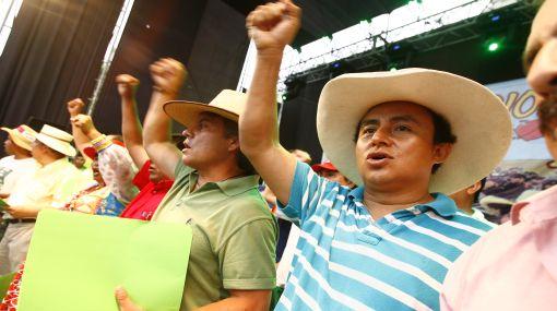 Fiscalización citará a Santos por supuesta malversación de fondos