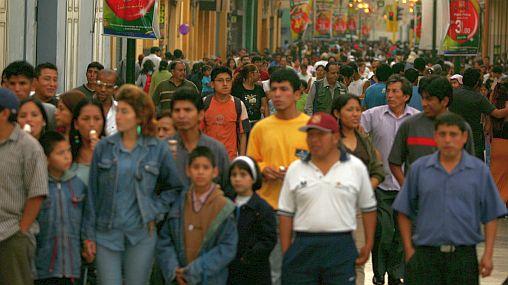 Peruanos se muestran más optimistas sobre futuro de la economía local