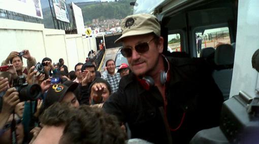 Bono Vox causó revuelo en el aeropuerto de Cusco