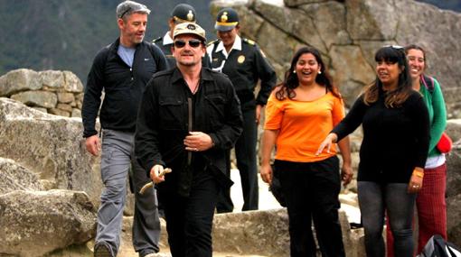 """Bono """"quedó maravillado"""" con los paisajes y la comida de Ollantaytambo"""