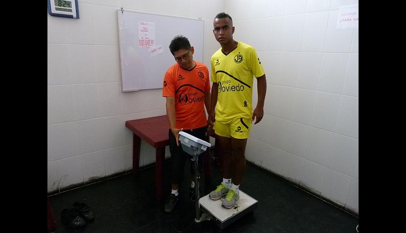 FOTOS: Luis Trujillo pasó exámenes médicos y entrenó con el Juan Aurich