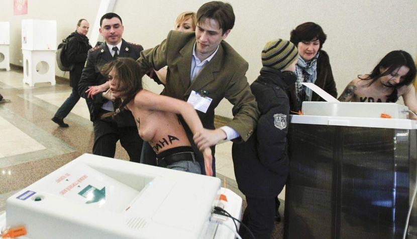 FOTOS: feministas se desnudaron en protesta contra Vladimir Putin