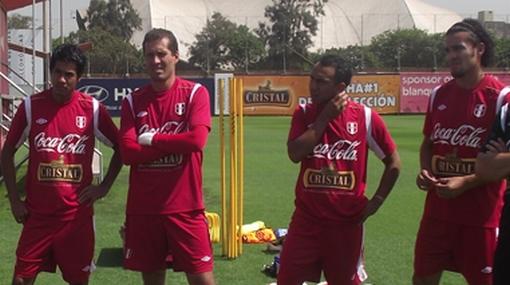 Comando técnico de la selección entrenó a ex jugadores de San Martín
