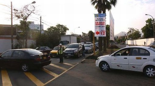 Cambio de sentido vehicular en calle de La Molina beneficiará a escolares