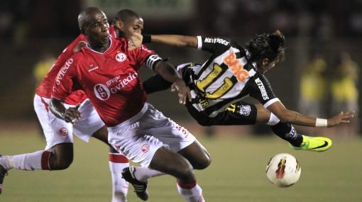 Juan Aurich enfrenta hoy al Santos y va en busca su revancha