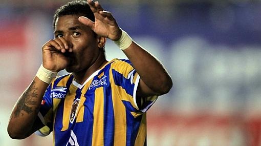 'Zorrito' Aguirre marcó de penal y dio tercera victoria al San Luis